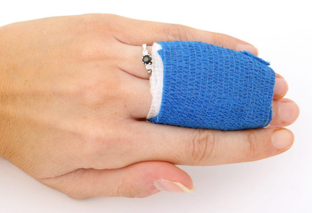 scootmobiel ongeluk gebroken vinger letselschade